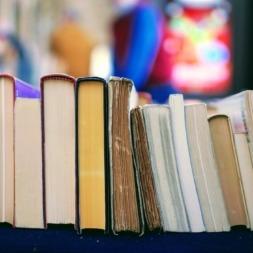منابع آیلتس : ۱۰ کتاب آیلتس که خواندن آنها الزامیست!