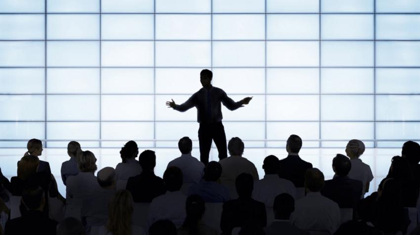 برای تقویت مهارت Speaking با خودتان صحبت کنید