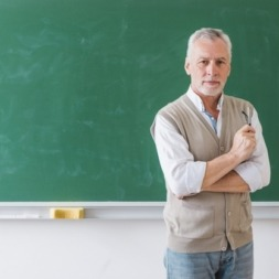ویژگی های یک معلم زبان + چگونه معلم زبان شویم؟