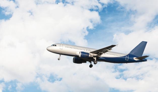جملات انگلیسی مهماندار هواپیما  متن انگلیسی در مورد هواپیما  اصطلاحات انگلیسی مربوط به فرودگاه و هواپیما  جملات انگلیسی در مورد پرواز  مخفف اصطلاحات هواپیمایی  آموزش زبان انگلیسی مکالمه در فرودگاه  متن انگلیسی در مورد سفر با هواپیما  جملات خلبان در هواپیما