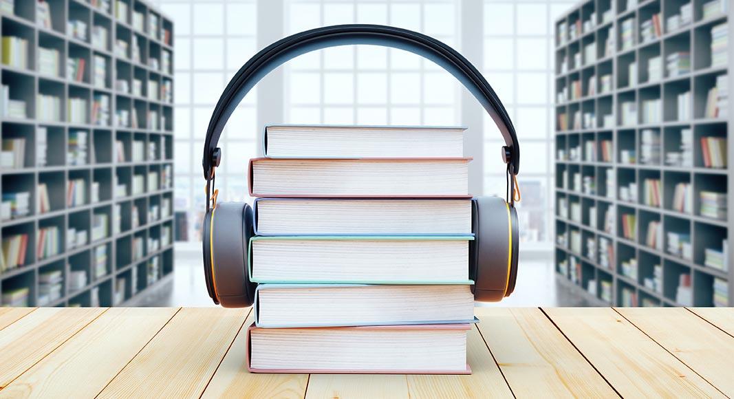 چرا کتاب صوتی انگلیسی برای تقویت زبانمان مفید است؟