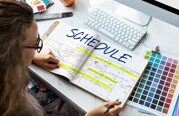 برنامه ریزی برای مطالعه زبان انگلیسی لازم و ضروری است